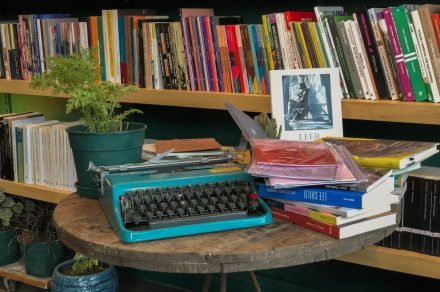 Patio Interno: un oasis literario en pleno City Bell