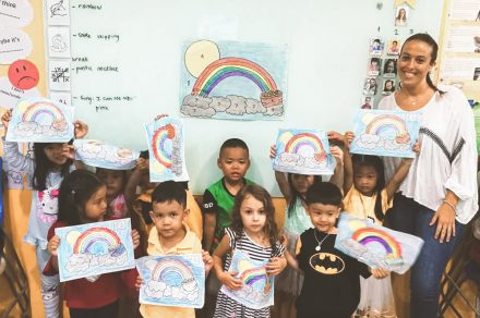 Caro Piqueras: la viajera argentina que da clases a niños en Tailandia