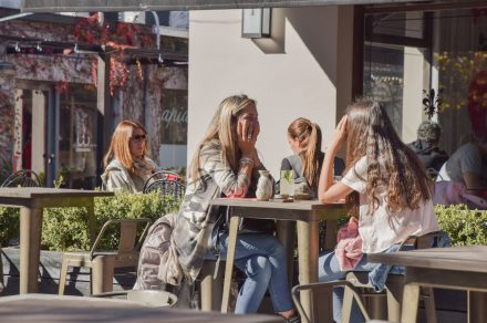 Modo almuerzo: espacios que transformaron su propuesta para los mediodías